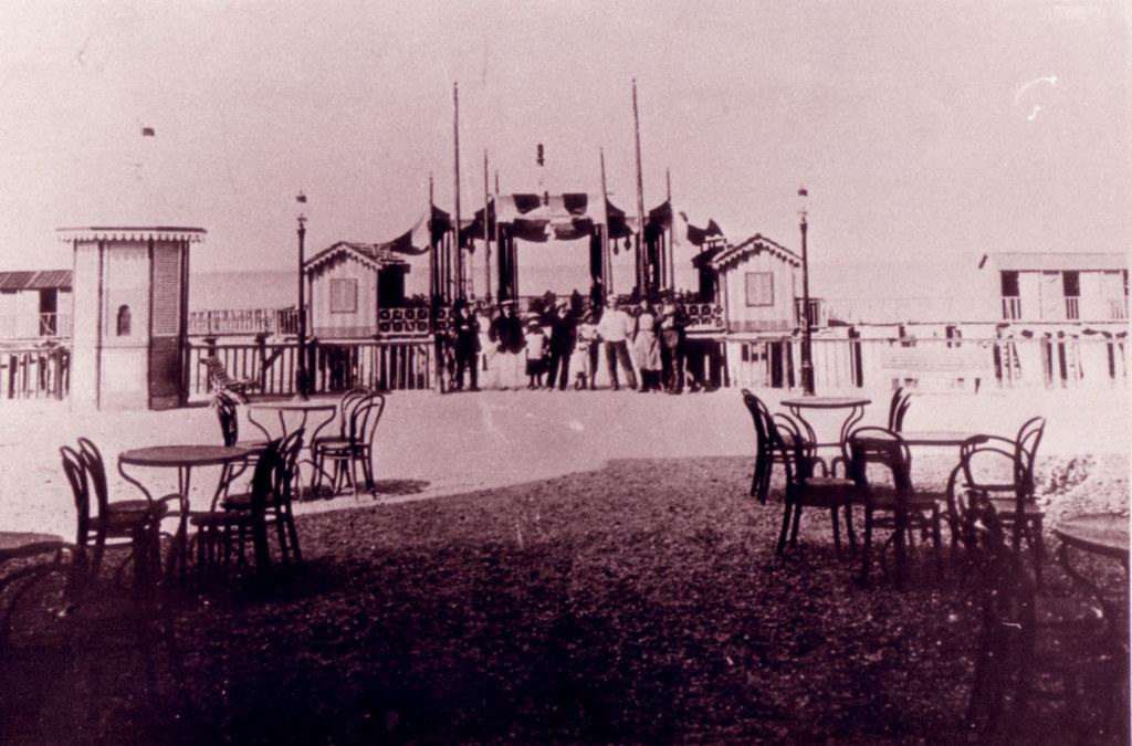 Pesaro Vintage - Piattaforma sul mare nei primi anni del '900