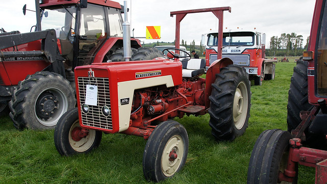 International 444 Tractor Seat : International tractors with b dna gallery a