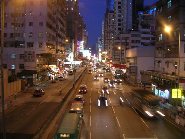 day1-transit-hk-nite-view1