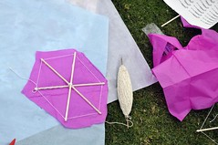 umbrella(0.0), origami(0.0), wheel(0.0), origami paper(0.0), art(1.0), art paper(1.0), purple(1.0), paper(1.0), pink(1.0),