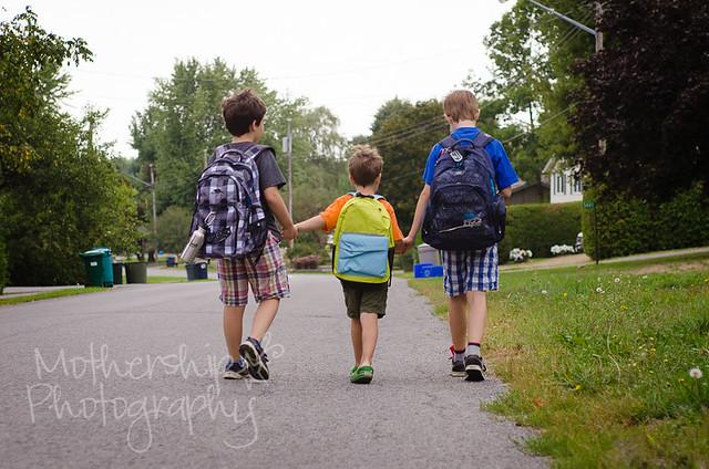 步行去学校