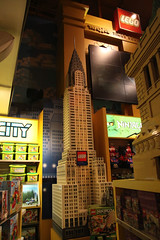 "Lego Chrysler Building @ Toys ""R\"" Us"