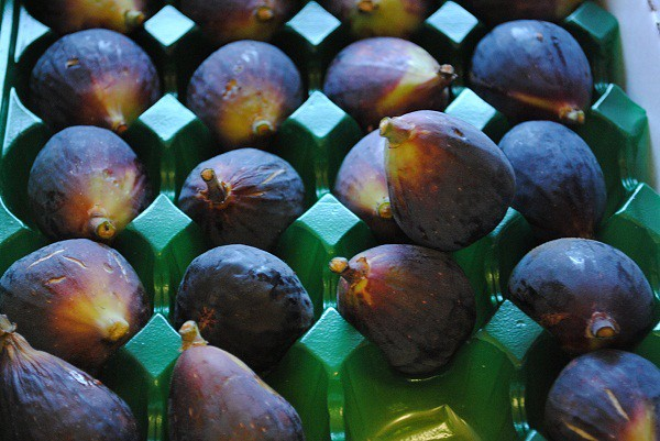 figs in mediterranean store
