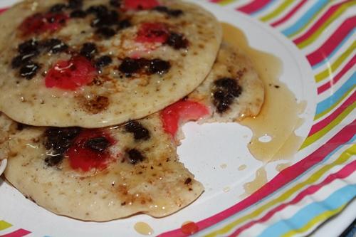 Pancake Recipe Yummy Tummy: Eggless Pancakes With Cherry & Chocolate Chips