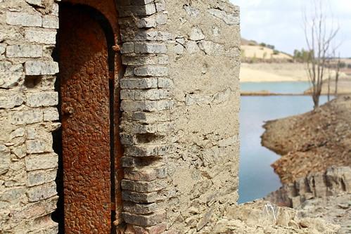 O que a barragem submergiu