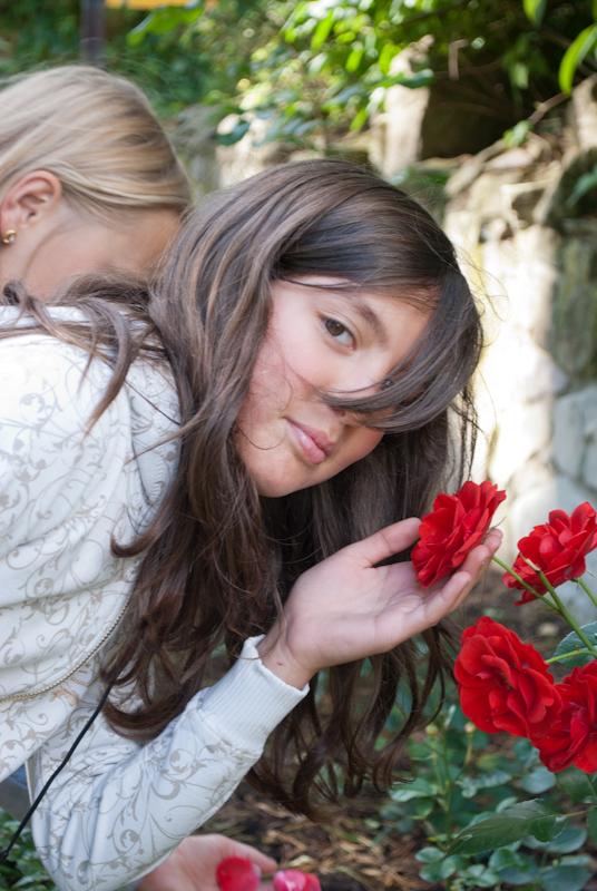 роза и девочка DSC_0317