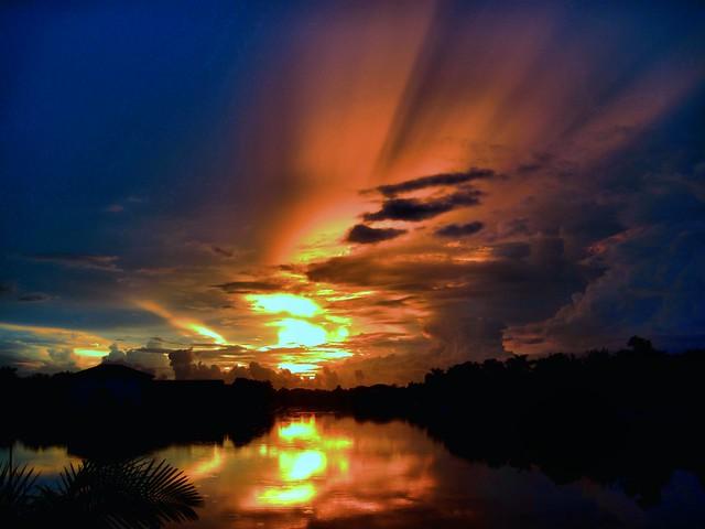 Sunrise HDR 20120922