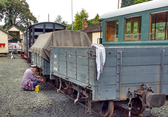 Oiling Wagons