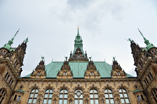 Hamburg Rathaus by Hugo Alexandre Cruz