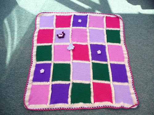 'insearchofme' has very kindly assembled these Craft group squares for me. Thank you.