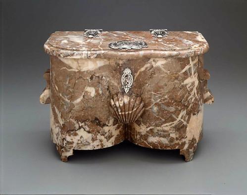 008-Caja de tabaco-Marmol y plata-1756–62-Francia-© 2012 Museum of Fine Arts Boston
