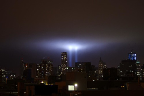 Tribute_in_Light_September_11_2011_Shankbone