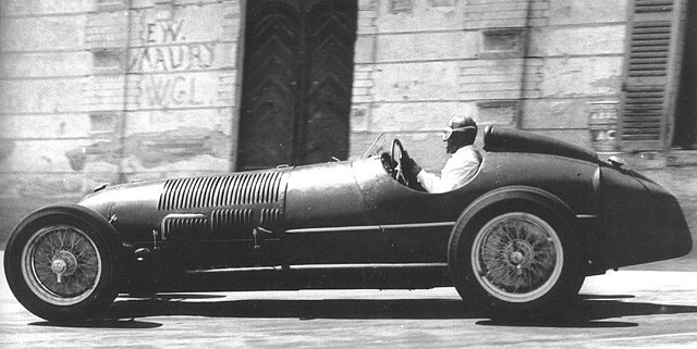 1937 Alfa Romeo 12C-37 during practice for the 1937 Coppa Acerbo. Tazio Nuvolari