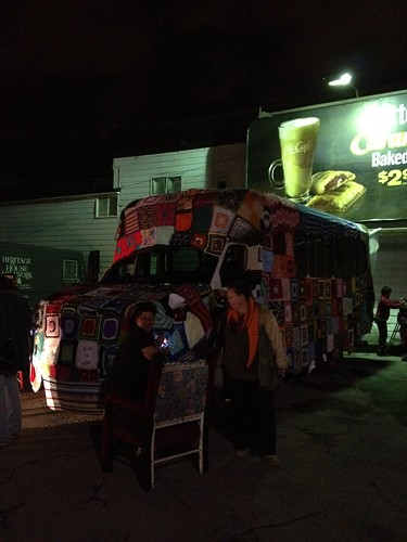 Justy and the bus. Nuit Blanche Ottawa #Nbo12