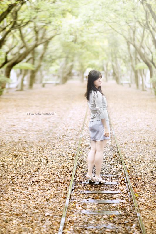 [portrait] on the rail