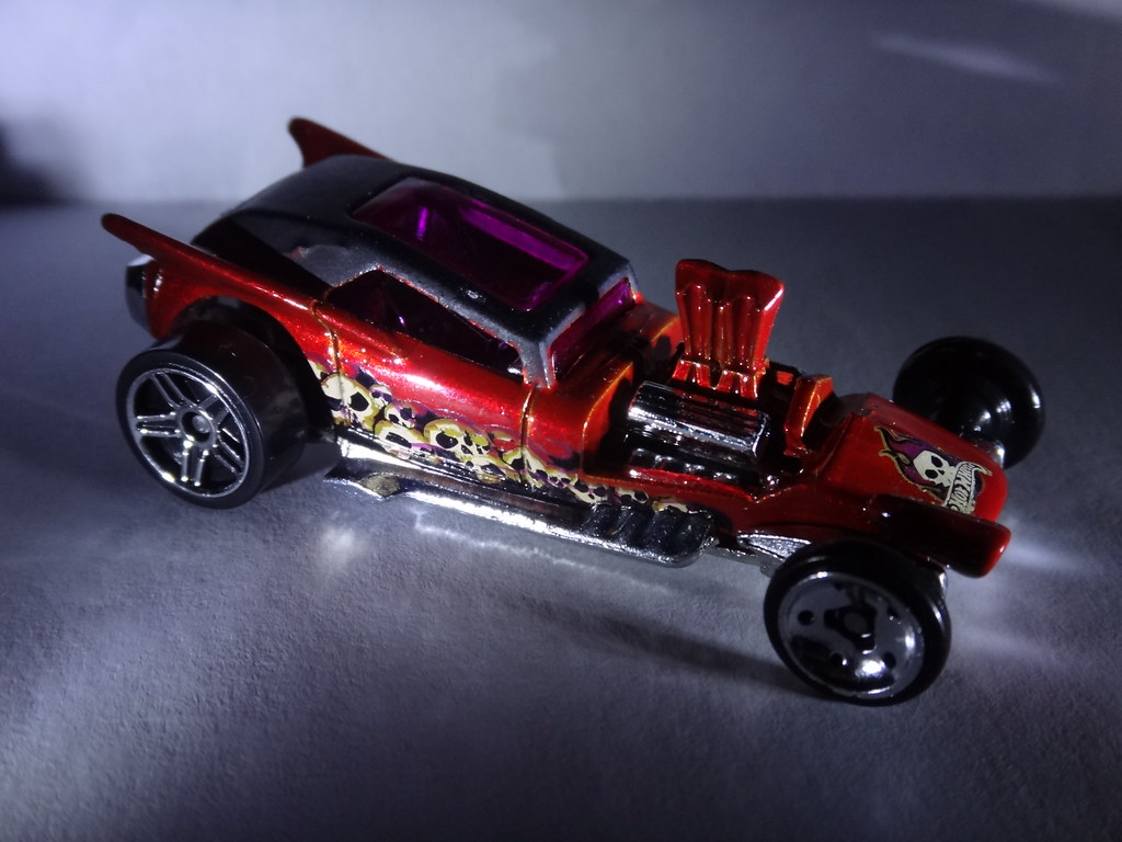 Hot Wheels 2012 Halloween exclusive Fangula