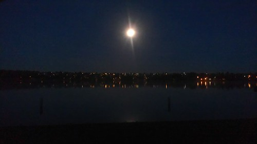 Full moon over Green Lake by christopher575
