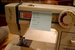 art(0.0), design(0.0), sewing(1.0), sewing machine(1.0),