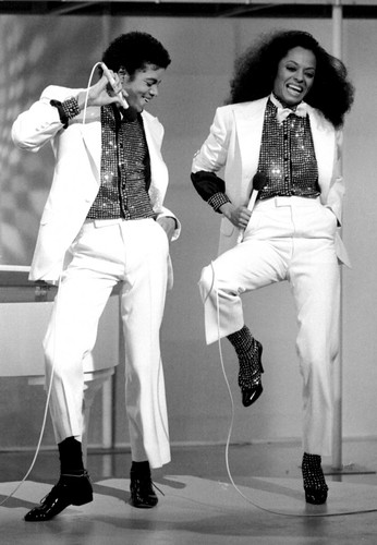 1981-michael-and-diana-ross-michael-jackson-7647416-899-1298
