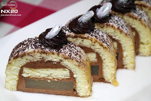 Cosmos Lounge Cakes