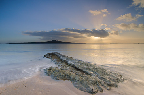 blue sea newzealand seascape colour clouds sunrise nikon rocks wideangle auckland sunrays devonport rangitoto leefilters 1024mm d7000 lee06nd lee06gndhard lee12gndsoft