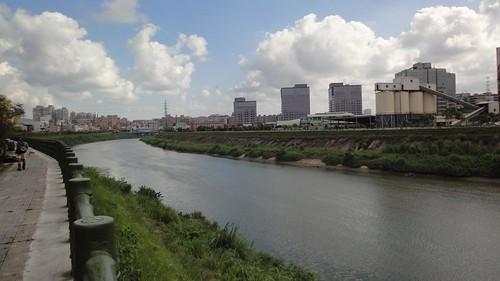 基隆河右岸自行車道