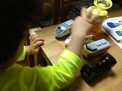 ハッピーセットのおまけで遊ぶ (2012/10/8)