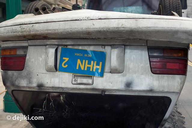 Total Lockdown - license plate