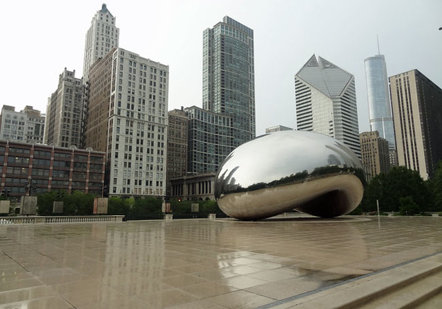 chicago-bean-with-no-one-ar