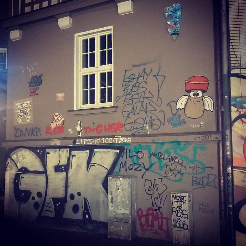 Nachts in #Altona   #Hamburg #zoomlabontour #Streetart