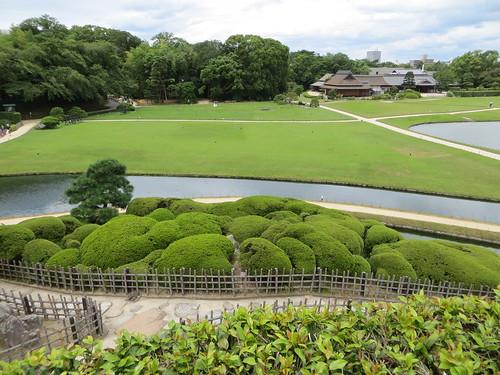 japan garden landscape hilltop okayama aesthetic korakuen 後楽園 yuishinzan 唯心山