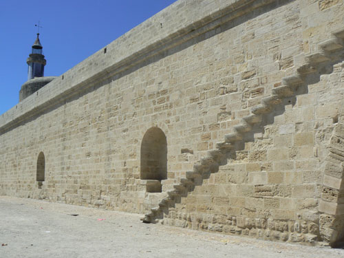 mur blanc.jpg