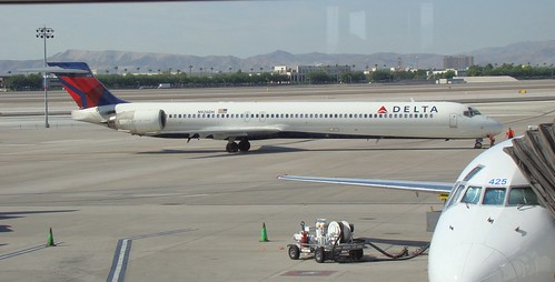 Delta Airlines MD-90 N926DH