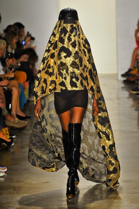 jeremy-scott-burqa-primavera-2013