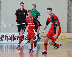 roller hockey(0.0), roller in-line hockey(0.0), stick and ball games(1.0), floor hockey(1.0), sports(1.0), team sport(1.0), hockey(1.0), player(1.0), floorball(1.0), ball game(1.0), team(1.0),