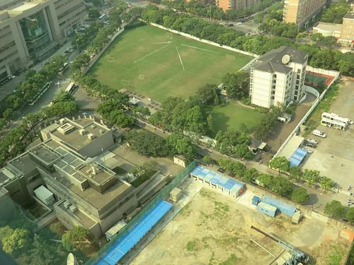 在上海日本総領事館前デモ行進