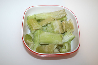 02 - Zutat Stangensellerie / Ingredient celeriac