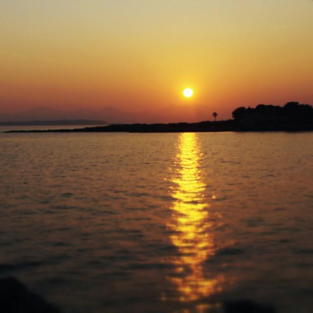 Coucher de soleil sur la baie des milliardaires