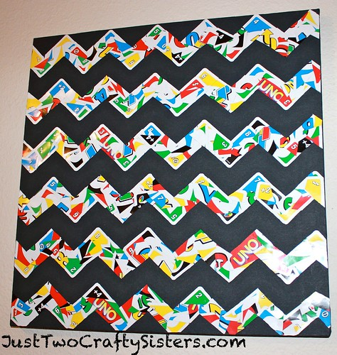 Uno Card Chevron Artwork