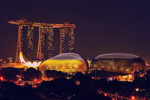 [フリー画像素材] 建築物・町並み, 都市・街, ビルディング, 風景 - シンガポール, 夜景, マリーナ・ベイ・サンズ ID:201210042000