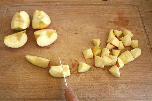 30 - Äpfel würfeln / Dice apples