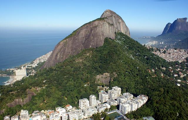 Brasilien: Dois Irmãos. Rio de Janeiro, Brazil