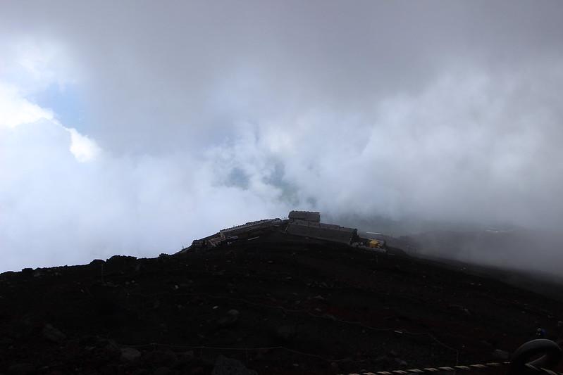 富士登山 雨雲