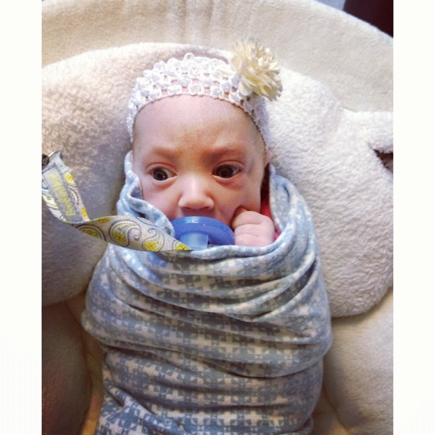 Bundled beauty. #preemie #ladyavery #twins #royaldubs