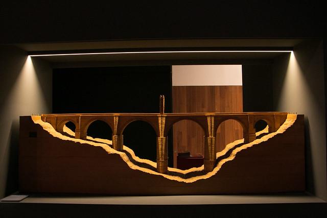 Exposición Lusitania - Maqueta del puente de Alcántara