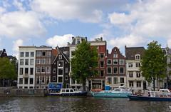 Batiments le long de la rivière Amstel