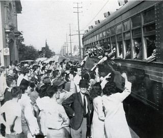 Troops departing from Pomona College in 1944