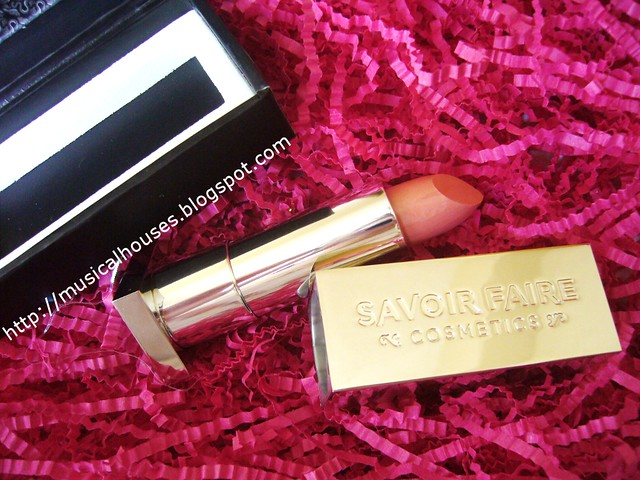 bellabox october savoir faire lipstick