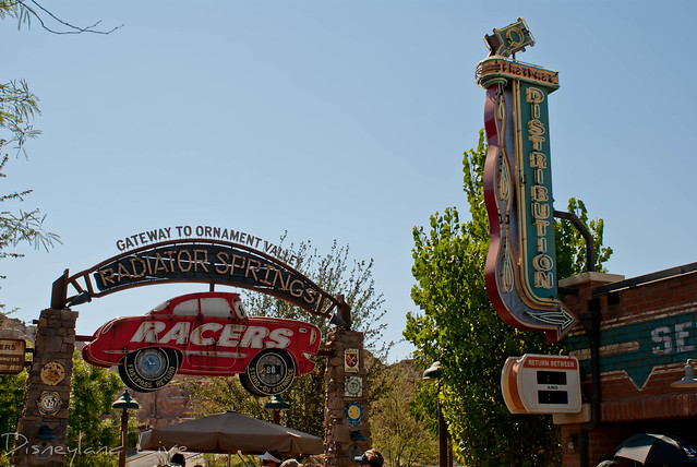 Radiator Springs Racers Fastpass Machine Removal - Cars Land