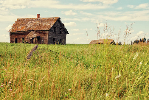 Old Farm House on the Prairies